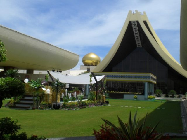 biệt thự lớn nhất thế giới Istana Nurul Iman Palace 2