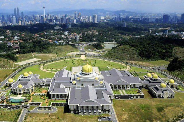 biệt thự lớn nhất thế giới Istana Nurul Iman Palace 3