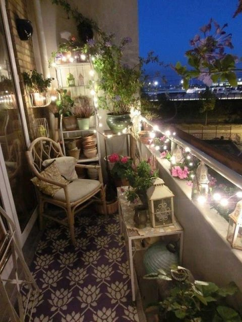 trang trí ban công chung cư bằng đèn 3