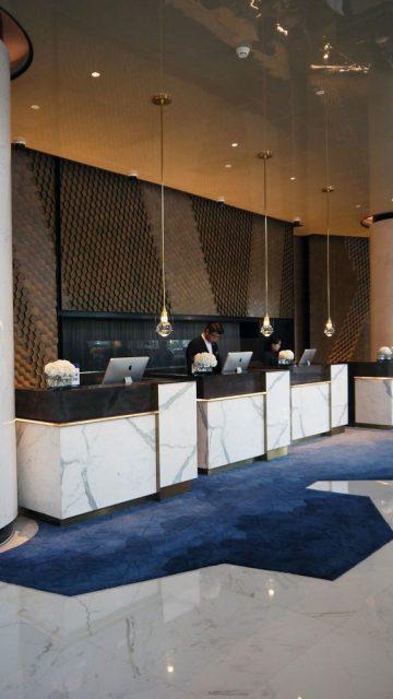 quầy lễ tân khách sạn đẹp 12