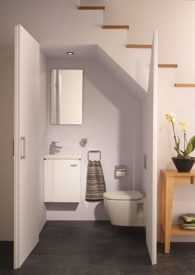 nhà vệ sinh dưới gầm cầu thang 5
