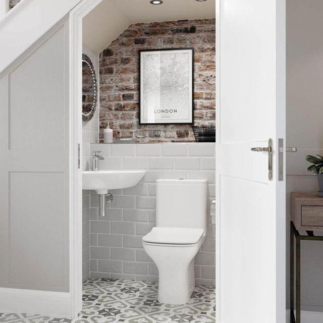 nhà vệ sinh dưới gầm cầu thang 9