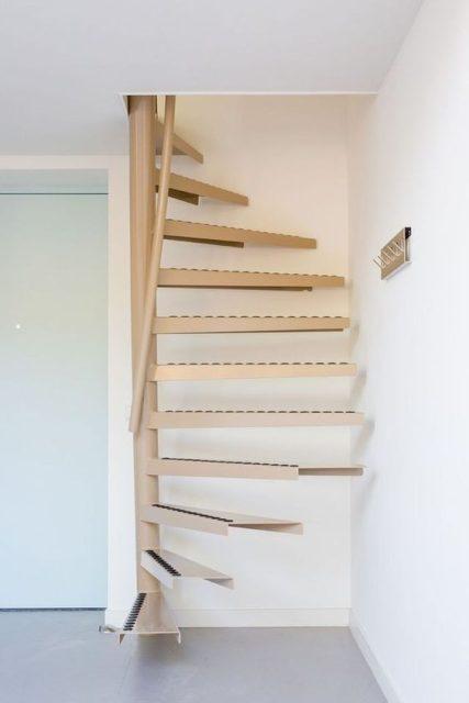 cầu thang tròn khung sắt 3
