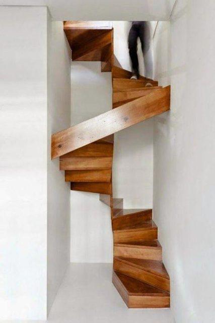 cầu thang xoắn bậc gỗ 3