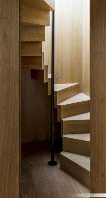 cầu thang xoắn bậc gỗ 5