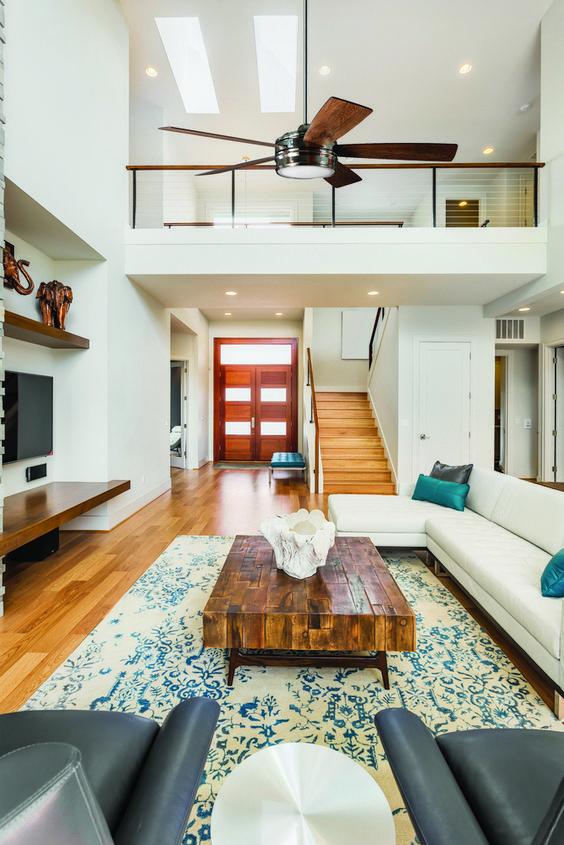 thiết kế phòng khách và cầu thang 9