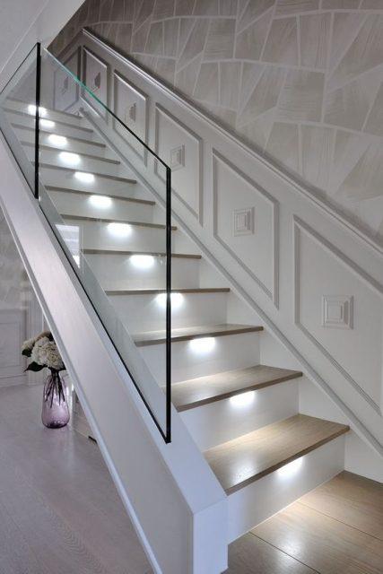trang trí đèn cầu thang 11