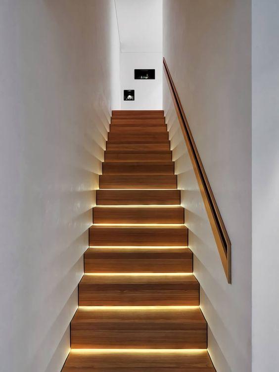 trang trí đèn cầu thang 6