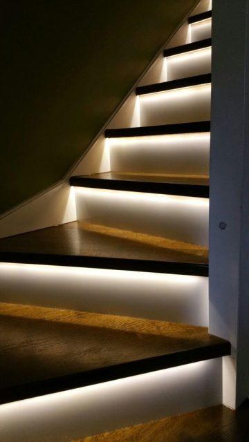 trang trí đèn cầu thang 9