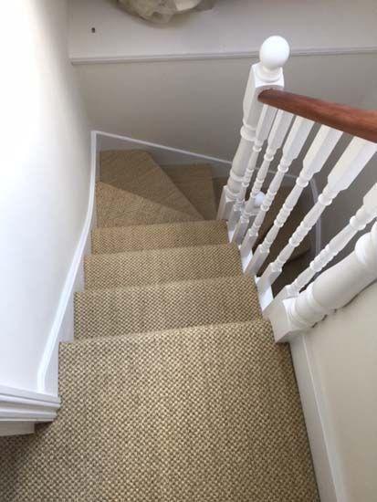 trang trí thảm cầu thang