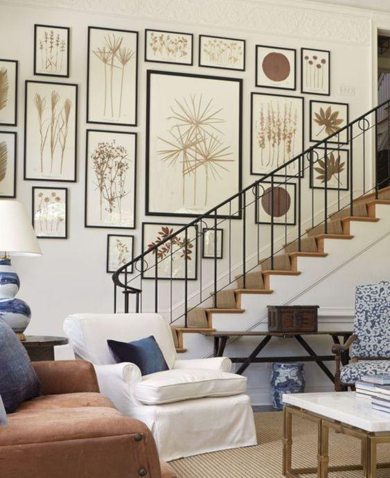 trang trí tranh dọc cầu thang 2
