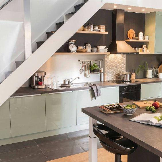 tủ bếp dưới cầu thang 10