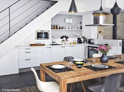 tủ bếp dưới cầu thang 12