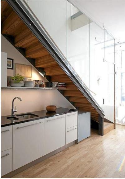 tủ bếp dưới cầu thang 13