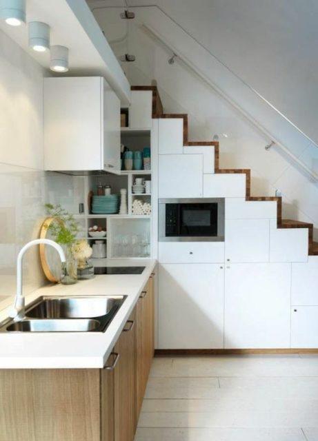 tủ bếp dưới cầu thang 6