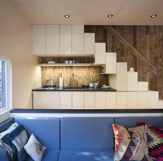 tủ bếp dưới cầu thang 7