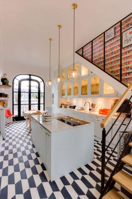 tủ bếp dưới cầu thang 9