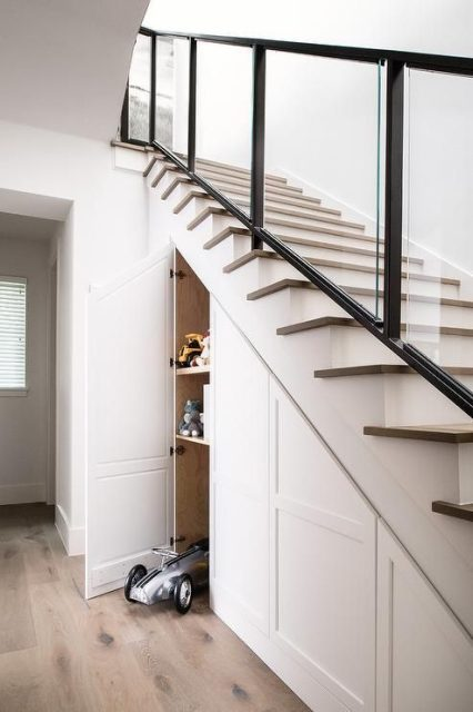 tủ gỗ gầm cầu thang đẹp 2