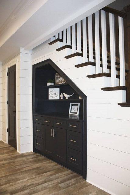 tủ gỗ gầm cầu thang đẹp 4