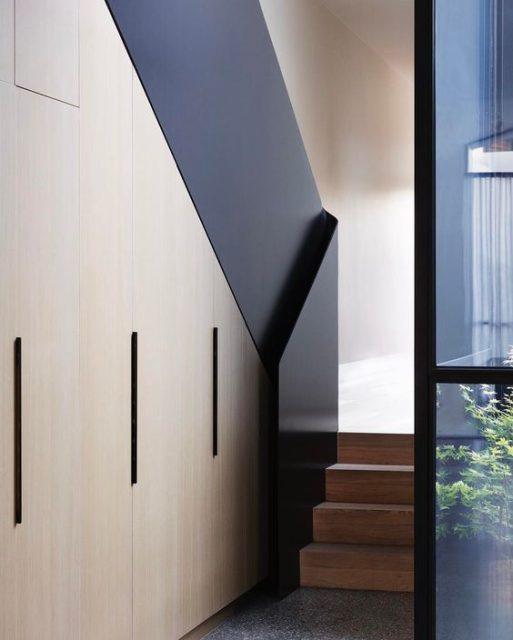 tủ gỗ gầm cầu thang đẹp 6