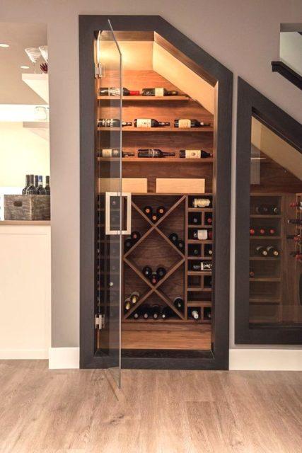 tủ rượu dưới gầm cầu thang 11