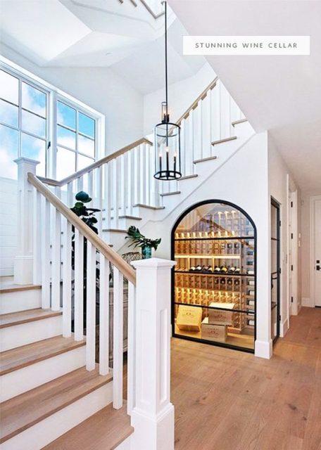 tủ rượu dưới gầm cầu thang 5