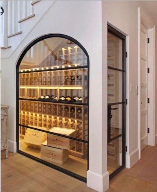 tủ rượu dưới gầm cầu thang 6