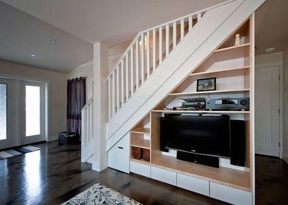 tủ tivi dưới gầm cầu thang 4