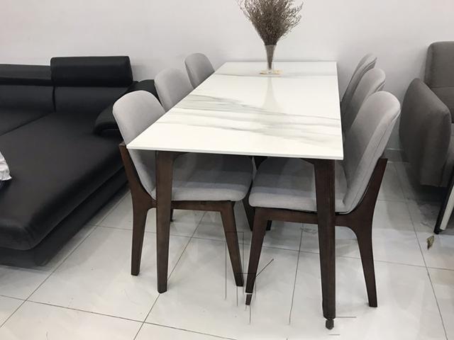 bàn ăn chung cư mặt đá mẫu 3
